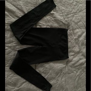 Women's Lululemon Black Yoga Leggings Sz 4